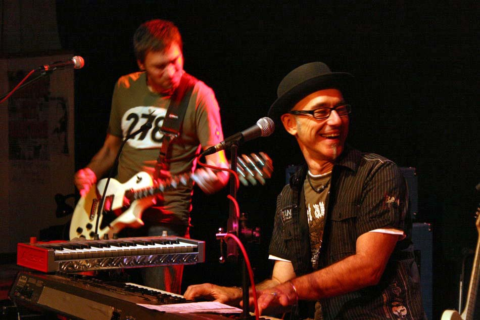 Juergen-Wuest-Bandleader-Saenger-Keyboarder-06